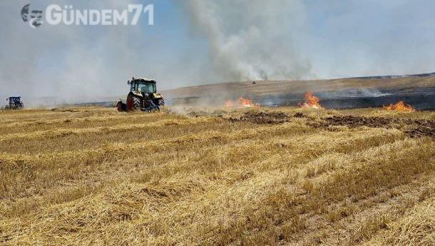 Balışeyh'te Çıkan Anız Yangınında Çiftçiler Müdahale Etti