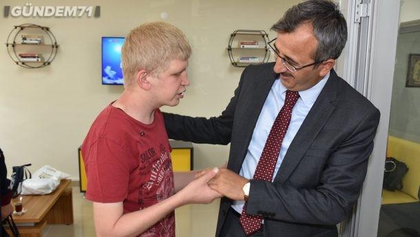 Kırıkkale Valisi Yunus Sezer Engelsiz Yaşam Merkezi'ni Ziyaret Etti