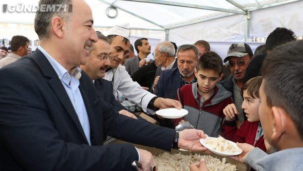Kırıkkale Belediyesi'nden Kandil Simidi ve Yemek  İkramı