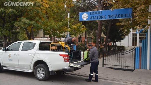 Belediyeden Cami ve Okullarda Dezenfeksiyon Çalışması