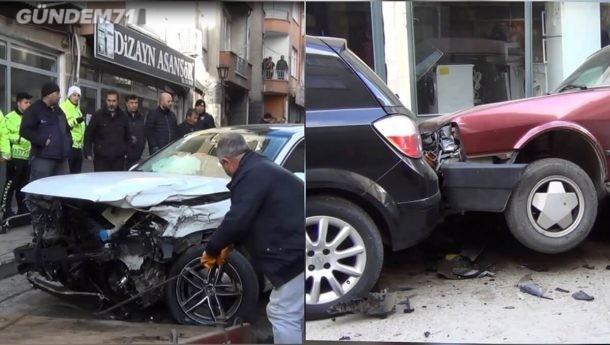 Trafik Kazası: 1'i Ağır 3 Kişi Yaralandı