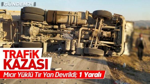 Trafik Kazası; Mıcır Yüklü Tır Yan Devrildi