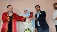 14 Şubat Sevgililer Gününde Evlenen Çiftlerin Nikâhını Başkan Saygılı Kıydı