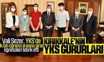 Vali Sezer YKS'de İlk Bin Öğrenci Arasına Giren Öğrencilere Plaket ve Hediye Verdi