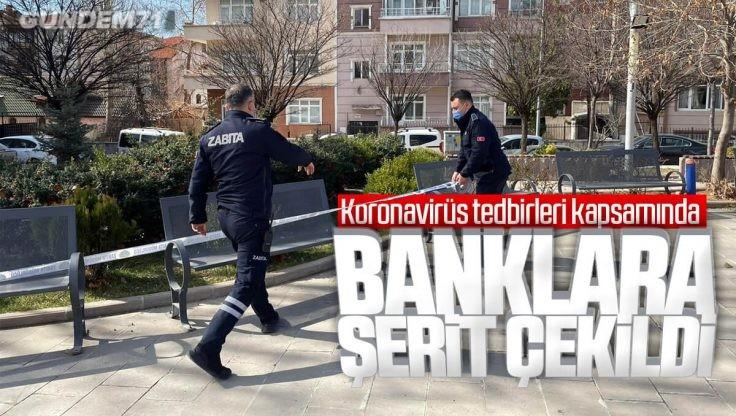 Kırıkkale'de Parklarda Bulunan Banklara Şerit Çekildi