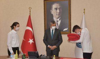 18 Mart'ta Göndere Çekilecek Ay Yıldızlı Türk Bayrağı Kırıkkale'den Uğurlandı